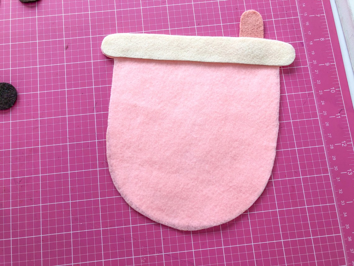 Felt Bubble Tea Banner Tutorial: Glue Bubble Tea Lid