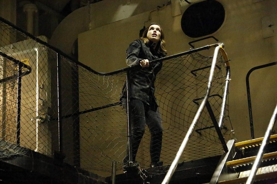 Simmons on a special mission inside a ship in Marvel's Agents of SHIELD: Making Friends and Influencing People