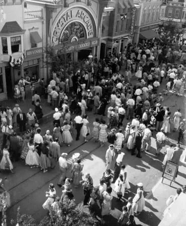 Disneyland60_1955