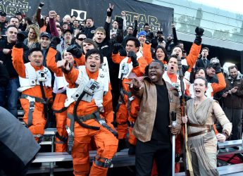 HOLLYWOOD, CA - DECEMBER 14: Fans attend the World Premiere of ?Star Wars: The Force Awakens? at the Dolby, El Capitan, and TCL Theatres on December 14, 2015 in Hollywood, California. (Photo by Alberto E. Rodriguez/Getty Images for Disney)