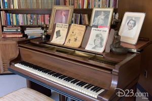 Walt Disney Office (8)