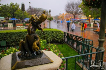 DisneylandResortRainyDay-25