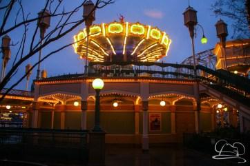 DisneylandResortRainyDay-83