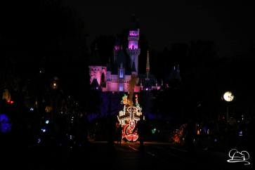 DisneylandMainStreetElectricalParade_45thAnniversary-4