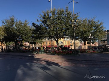 Disneyland Town Square Bricks With Walls Down in Spring-10