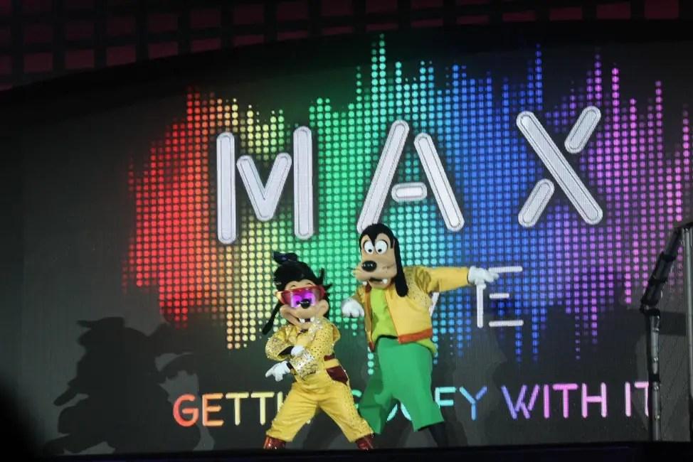 Disney FanDaze - Max Live!