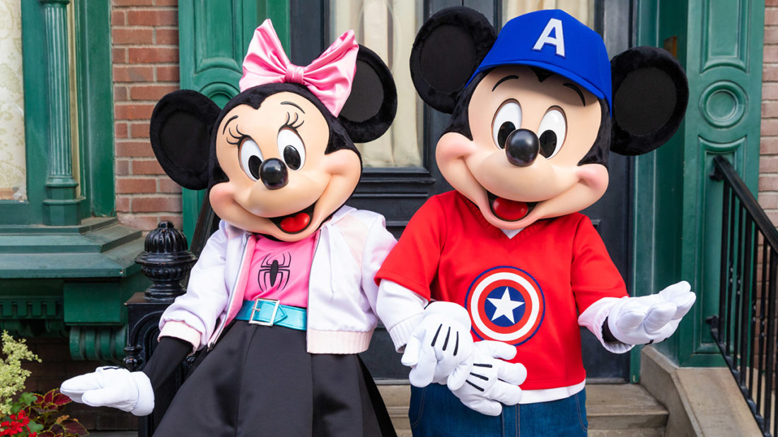 Meet Mickey Mouse And His Pals In Truly Super Looks At Disneyland