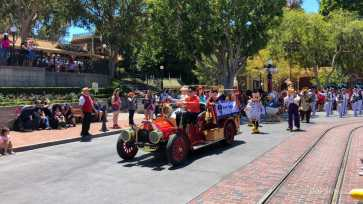 First Performance- Mickey and Friends Band-Tastic Cavalcade at Disneyland-2