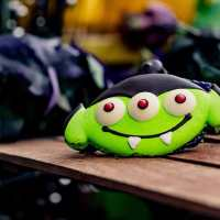 Get into the Halloween Spirit with Your Complete Guide to Spooky Snacks at Disneyland Resort