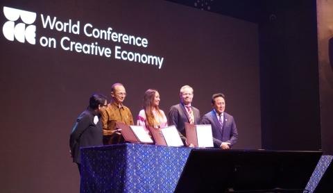 Menlu Retno Marsudi dan Kepala Badan Ekonomi Kreatif Triawan Munaf Buka WCCE