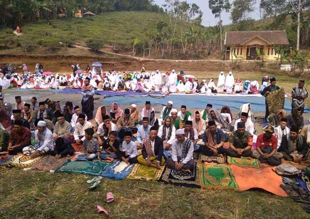 Shalat Istisqo di Gununghalu (Foto: galamedianews)