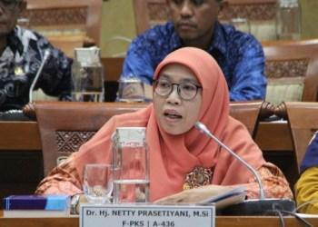 Netty Prasetiyani Aher, Anggota Komisi IX DPR RI (Foto : tokohkita.com)