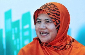 Mamah Dedeh (Foto: Times Indonesia)