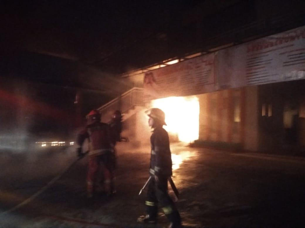 Klinik Ratnasari kebakaran tadi subuh (Foto: Istimewa)