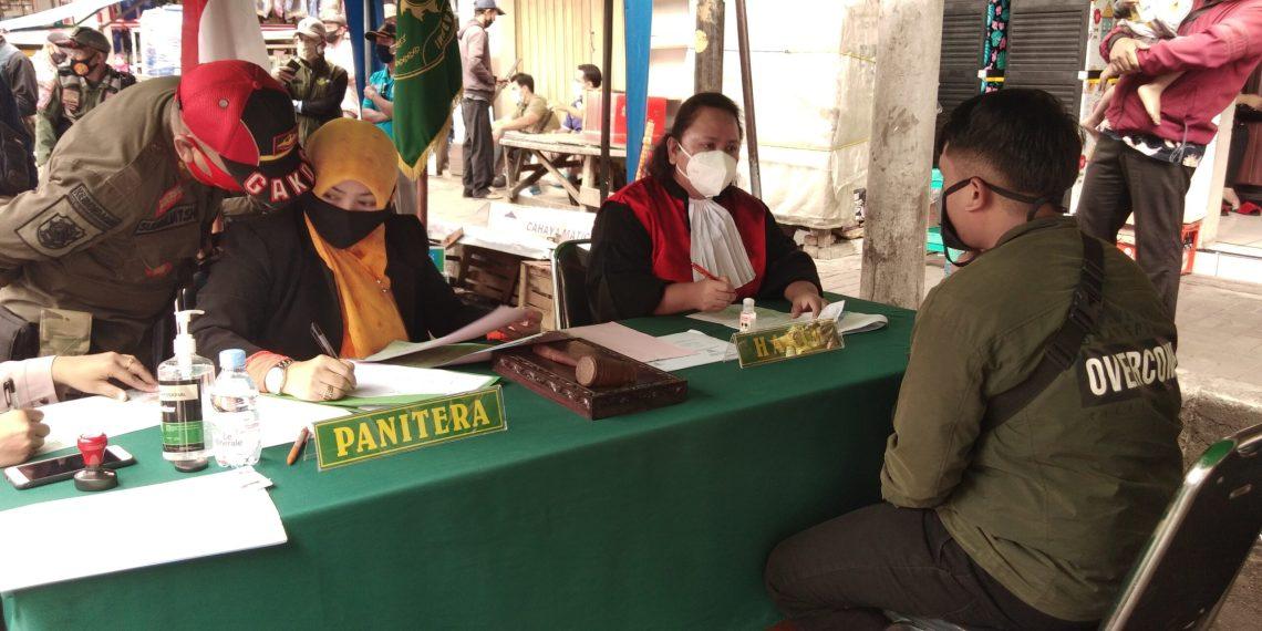 Operasi Yustisi di Jl A Yani Sukabumi (Foto: Riri Satiri/dara.co.id)