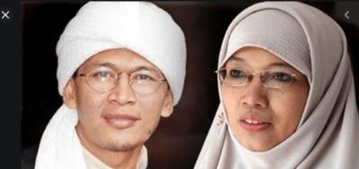 KH Abdullah Gymnastiar dan istrinya Ninih Muthmainah (Foto: WowKeren.com)