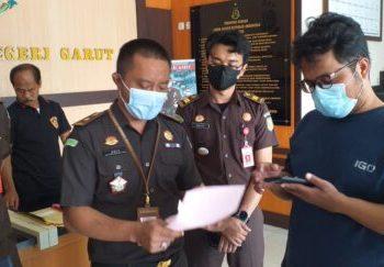 Kasi Pidum Kejari Garut, Ariyanto, SH, MH, memberikan keterangan kepada wartawan di  Kantor Kejari Garut (Foto: Istimewa)