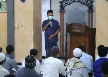 Kepala Lapas Kelas II Banceuy, Tri Saptono Sambudji berkomitmen menjadikan Lapas sebagai tempat pertaubatan. Hal ini diwujudkan dengan diadakannya Pesantren Ramadhan untuk Warga Binaan. (Foto : istimewa)