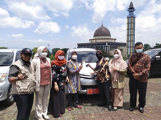 Serah terima mobdin di Plasa Mekar Sari KBB (Foto: Heni Suhaeni/dara.co.id)