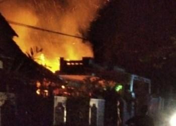 Rumah Iman hangus terbakar (Foto: Istimewa)