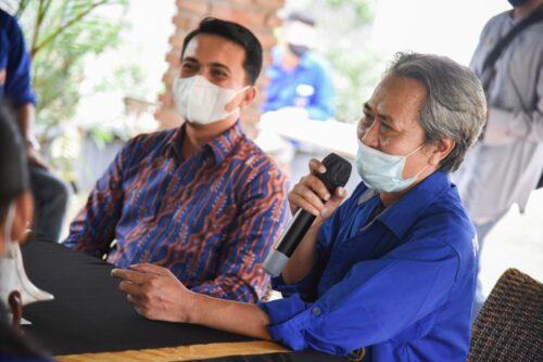 Wakil Bupati Bandung duduk berdampingan dengan Ketua PWI Kabupaten Bandung, Rahmat Sudarmaji (Foto: Humas Pemkab bandung)