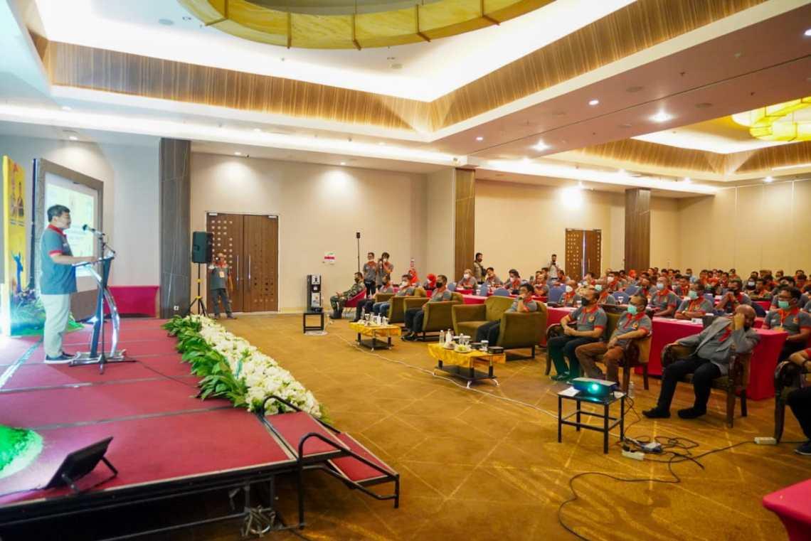 Bupati Garut, Rudy Gunawan, membuka secara resmi kegiatan Rapat Anggota Tahunan (RAT) KONI Kabupaten Garut di Fave Hotel, Jalan Cimanuk, Kecamatan Tarogong Kidul, Kabupaten Garut (Foto: Andre/dara..co.id)