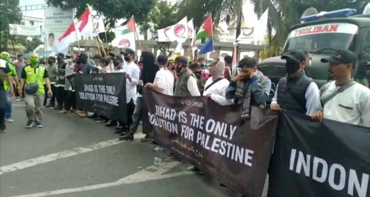 Massa aksi bela Palestina di Tasikmalaya. (Foto : Nanang Yudi)
