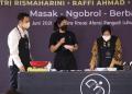Menteri Sosial Tri Rismaharini tampil bareng Raffi Ahmad dan Chef Renatta Moeloek dalam Workshop Memasak dan Motivational Talks. (Foto:Dara/Kemensos)