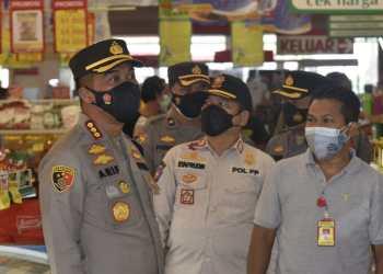 Kapolresta Cirebon, Kombes Pol Arif Budiman, SIK, MH, dan Kasat Pol PP Mohamad Syafrudin saat gelar patroli terkait PPKM Darurat (Foto: Bambang Setiawan/dara.co.id)