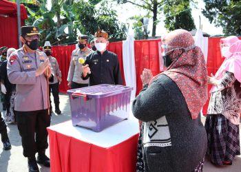 Kapolri Jenderal Listyo Sigit Prabowo saat meninjau PPKM Darurat di Kebonjayanti, Kota Bandung (Foto: Istimewa)