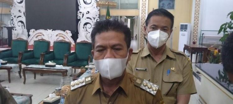 Bupati Bandung Dadang Supriatna dan DR. Ckra Amiyana