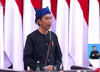 Presiden Jokowi kenakan pakaian adat Baduy di Pidato HUT RI ke-76.(Foto: Tangkapan Layar YouTube Setpres)