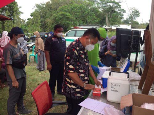 Suasana program vaksinasi Jabar Reksa Desa, di Agrowisata Langensari kota Banjar. (foto: istimewa)