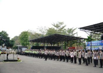 Kapolres Banjar AKBP Ardiyaningsih saat memimpin upacara syukuran Hari Lalu Lintas Bhayangkara, di Halaman Mapolresta Banjar (foto: Istimewa)