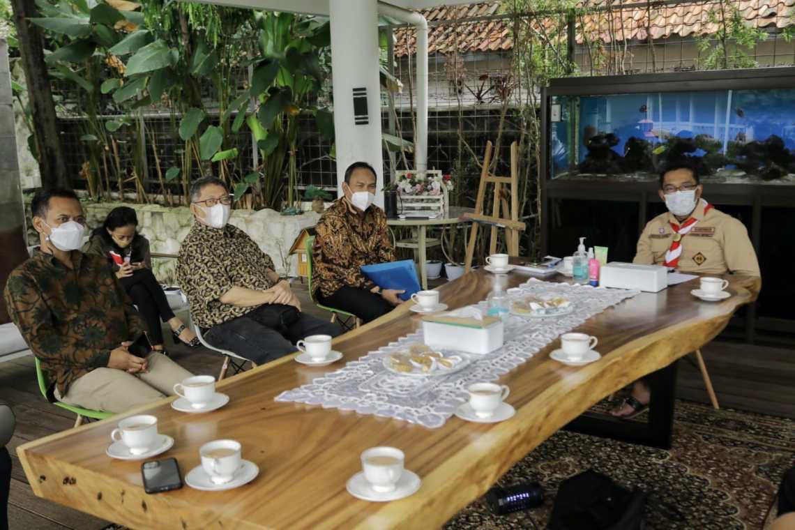 Audiensi pengurus Persatuan Wartawan Indonesia (PWI) Jawa Barat dan Gubernur Ridwan Kamil, di Rumah Dinas Gedung Pakuan, Bandung, Selasa (14/9/2021).(Foto: syafrin/dara.co.id)