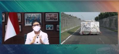 Menlu Retno LP Marsudi dalam keterangan pers menyambut kedatangan vaksin tahap ke-55, Jumat (10/09/2021), secara virtual. (Sumber: Tangkapan Layar YouTube Sekretariat Presiden)