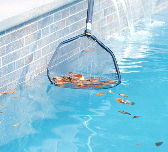 Pool cleaning in Pattaya