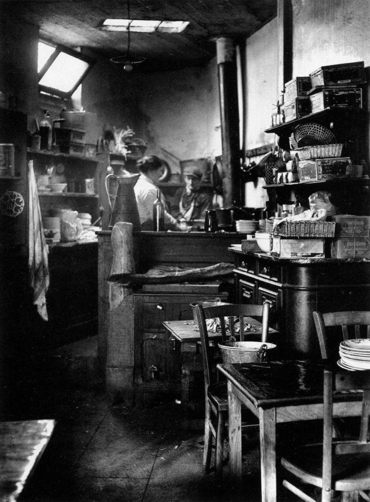 A Paris bistro kitchen from 1927 Photographer: André Kertész