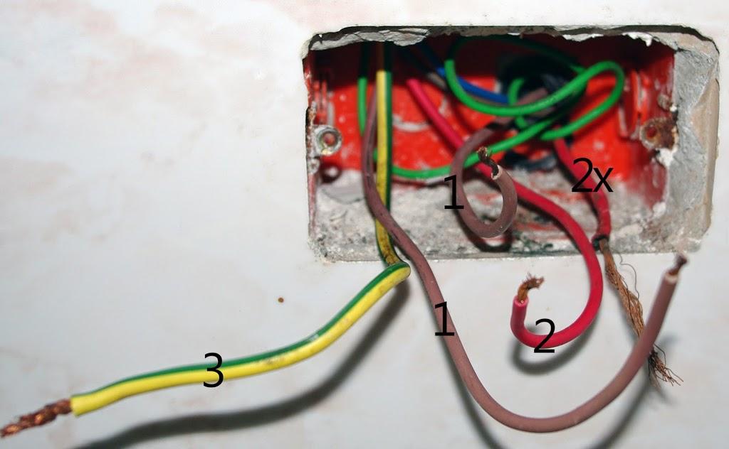 Come Riparare Una Presa Elettrica O Montare Una Spina