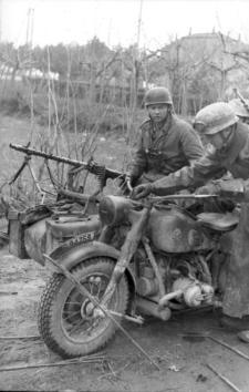 BMW R75, MG34, WW2, WEAPONS, VEHICLES