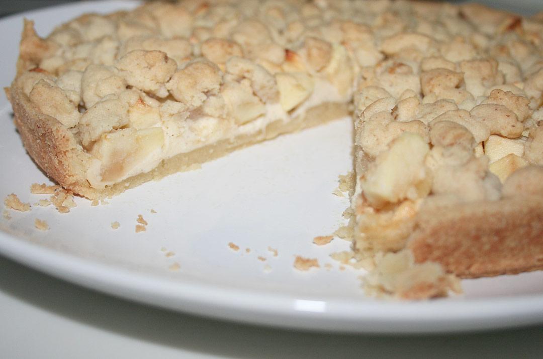 Foto von: Der angeschnittene Apfel - Käsekuchen mit Streusel. Darjas Welt