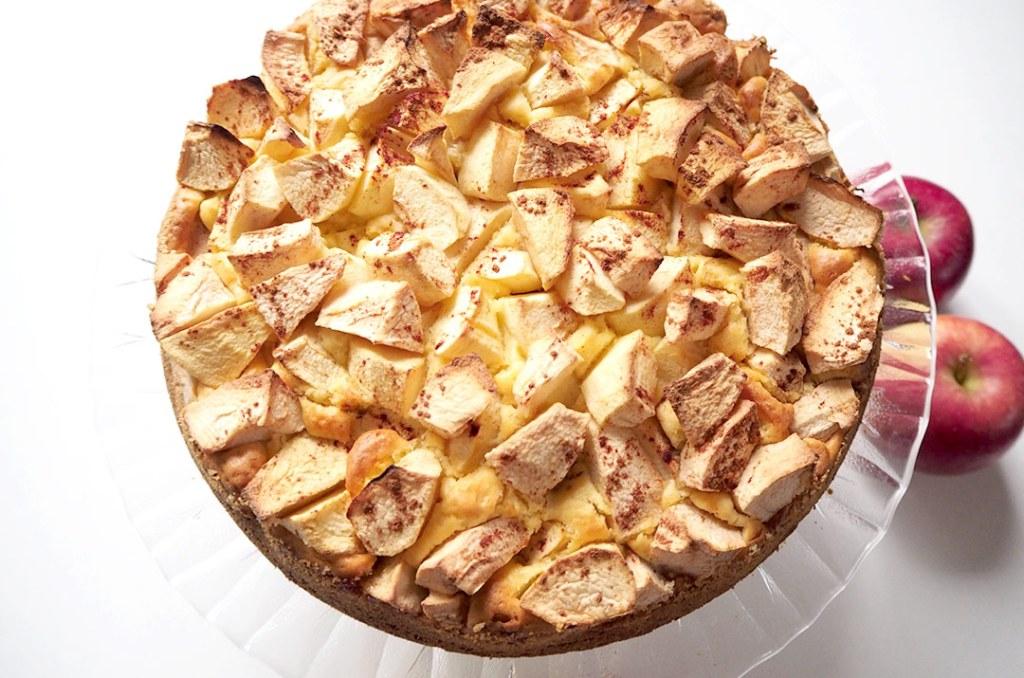Foto von: Der zuckerfreie Apfelkuchen nach dem Backen. Darjas Welt