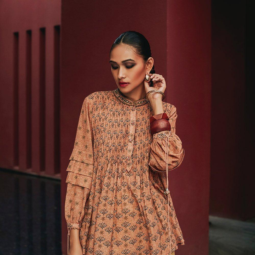 kurti front neck designs