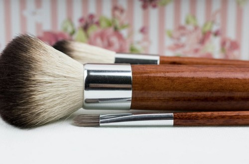 face makeup brush