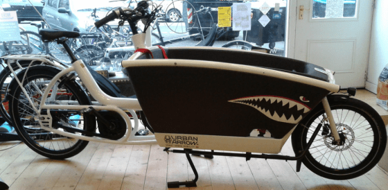 Urban Arrow bakfiets with custom shark teeth