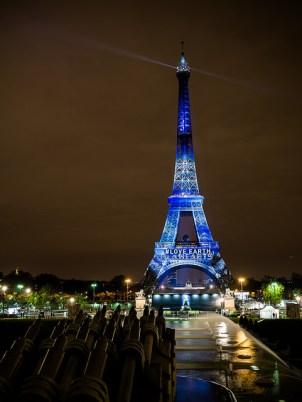 """#1heart1tree - Tour Eiffel à #Paris - Eiffel Tower - COP 21"" by Yann Caradec on Flickr"