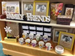 gifts-and-decor-family-friends