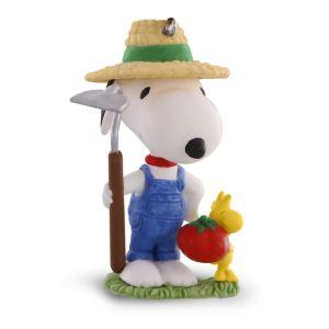 2016 Green Thumb Snoopy Gardening Ornament
