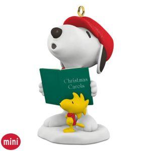 Winter Fun With Snoopy Woodstock Caroling Mini