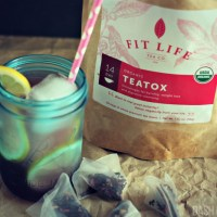 Looking to boost your weight loss? Check out Fit Life Organic Teatox! Helps reduce boating and boosts metabolism. Check out a review from @DashOfEvans